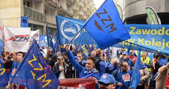 Polski Ład wprowadza nową ulgę podatkową, która zachęca do tego, by być członkiem związku zawodowego. Rząd nie ukrywa, że promując zapisywanie się do związków, chce doprowadzić do ich wzmocnienia. Problem w tym, że większość pracowników sektora prywatnego w Polsce... nie ma się do czego zapisać.