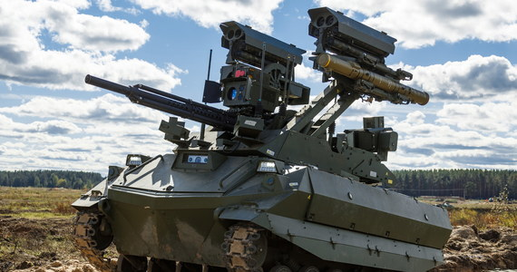 """Oficjalne zakończenie manewrów Zapad-2021 na Białorusi odbędzie się 17 września - poinformowało ministerstwo obrony. Moskwa podała w czwartek, że jej wojska """"rozpoczęły powrót (z Białorusi) do miejsc stałego stacjonowania""""."""