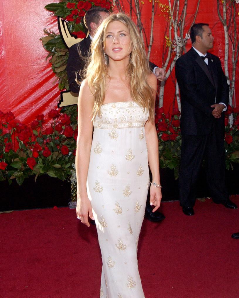 Jennifer Aniston nie pojawi się na tegorocznej gali rozdania nagród Emmy, która zaplanowana została na 20 września. Aktorka boi się koronawirusa.