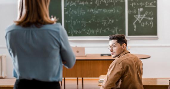 Za niespełna 2 tygodnie rozpocznie się rok akademicki. Śląskie uczelnie planują powrót studentów do nauki stacjonarnej, choć wykłady mogą odbywać się zdalnie.