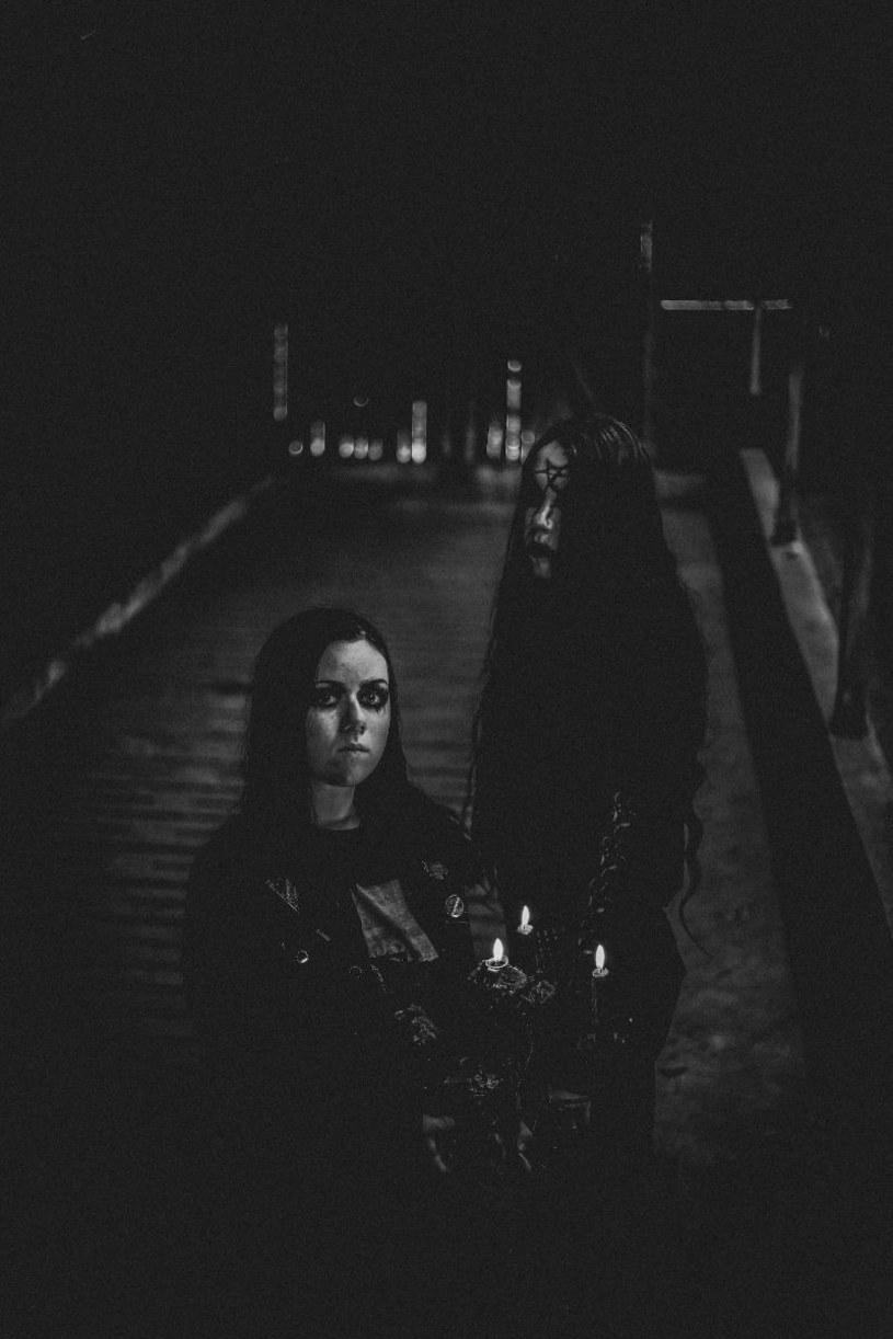 Blackmetalowy duet Doodswens z Holandii szykuje się do premiery pierwszej płyty.