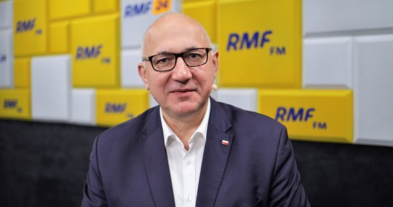 """""""Prawo i Sprawiedliwość od początku obecności w Unii Europejskiej uważało, że nasza obecność jest dobra dla Polski. Nie wyobrażam sobie dzisiaj takiej sytuacji, żeby w UE nie być, bo byłoby to olbrzymią strata dla nie tylko współczesnych, ale i przyszłych pokoleń"""" - powiedział Gość Krzysztofa Ziemca w RMF FM Joachim Brudziński. """"Jeżeli dzisiaj PiS próbuje się czynić tymi, którzy rzekomo chcą Polskę z Unii Europejskiej wyprowadzać, to jest czysta demagogia"""" - dodał europoseł PiS."""