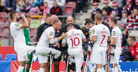 Reprezentacja Polski przegrała z Hiszpanią 1:2 w półfinałowym meczu rozgrywanych w Krakowie mistrzostw Europy w amp futbolu. W niedzielnym spotkaniu o brązowy medal biało-czerwoni zmierzą się z przegranym drugiego półfinału Turcja - Rosja.