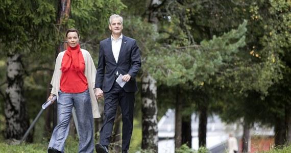 Marit Slagsvold, żona przyszłego premiera Norwegii Jonasa Gahr Store z Partii Pracy, została wyświęcona na pastora luterańskiego Kościoła Norwegii.