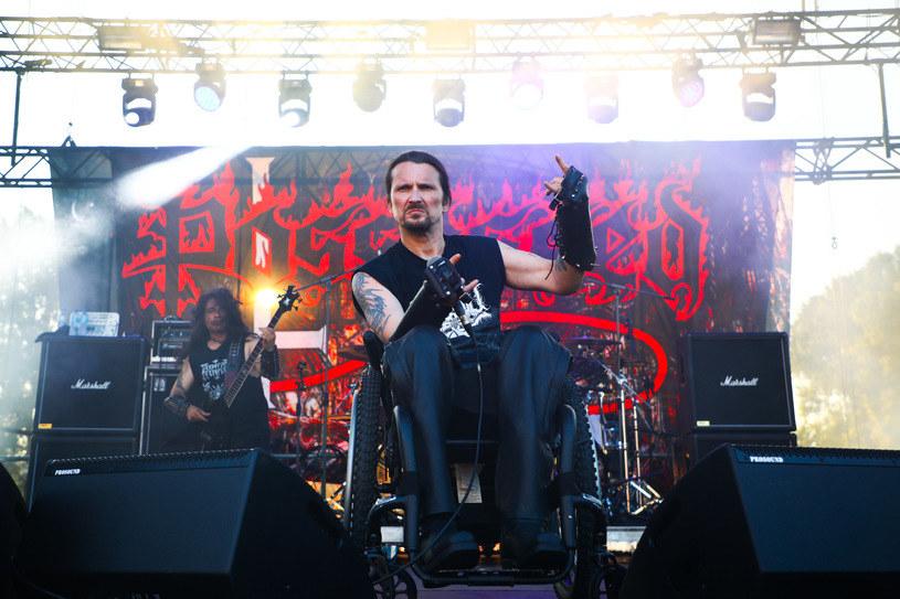 Amerykański wokalista Jeff Becerra z kalifornijskiej grupy Possessed zaczął znów chodzić. Muzyk opublikował wzruszające wideo.
