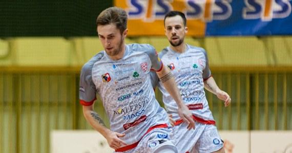 Po 2. kolejce STATSCORE Futsal Ekstraklasy z kompletem punktów pozostało pięć zespołów: trzech medalistów ostatnich mistrzostw Polski oraz dwie drużyny z Warszawy. Na pierwsze punkty wciąż czekają jeszcze trzy zespoły.