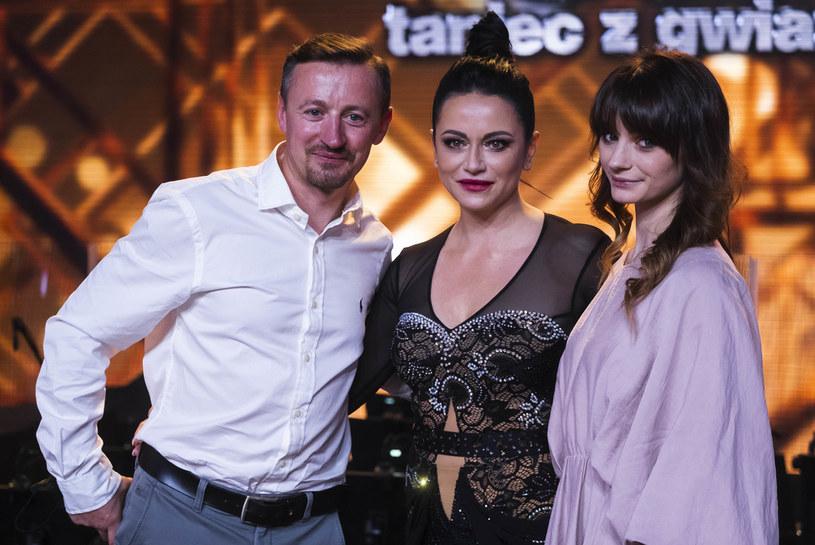 """Izabela Małysz i jej taneczny partner Stefano Terrazzino pożegnali się z """"Tańcem z Gwiazdami"""".  - To, że te półtora miesiąca wytrzymała w Warszawie w zasadzie sama to i tak jest wielki sukces, jestem z niej niezmiernie dumny - powiedział Adam Małysz tuż po programie."""