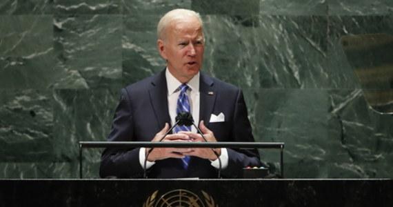 """Prezydent Stanów Zjednoczonych Joe Biden ogłosił w przemówieniu przed Zgromadzeniem Ogólnym ONZ koniec """"ery nieustępliwych wojen"""" i początek ery """"nieustępliwej dyplomacji"""". Zapowiedział też, że nie chce """"nowej zimnej wojny"""" z Chinami."""