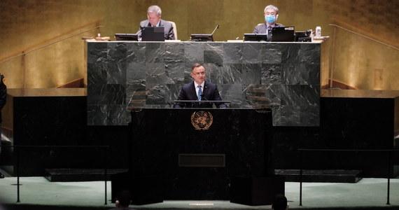 Prezydent Andrzej Duda w przemówieniu na forum Zgromadzenia Ogólnego ONZ oskarżył Białoruś o prowadzenie ataku hybrydowego przeciwko Polsce, Litwie i Łotwie. Zasugerował też, że bogate kraje - w tym Polska - niewystarczająco solidarnie postąpiły w obliczu pandemii, a także wobec konfliktów na Ukrainie, w Syrii czy Libii.