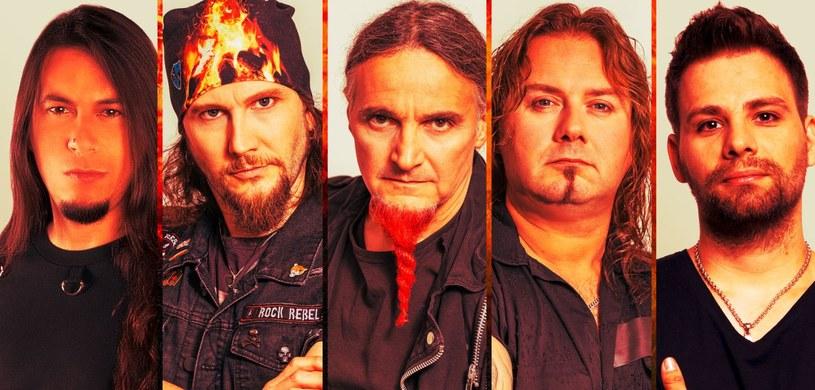 Międzynarodowa grupa Serious Black przygotowała piąty longplay.