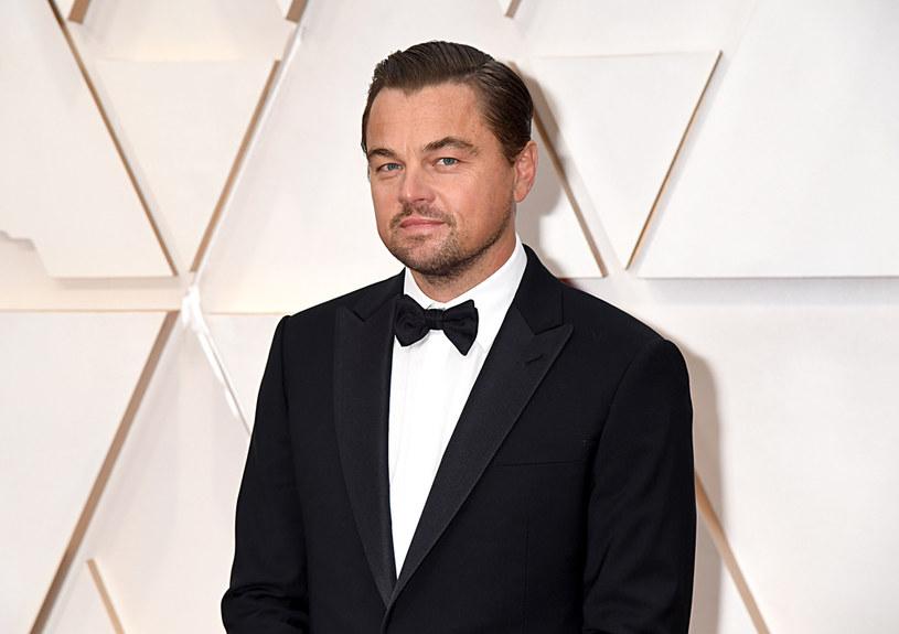 Amerykański aktor i producent Leonardo DiCaprio zainwestuje w rozwój dwóch firm zajmujących się produkcją mięsa hodowanego komórkowo - podał w środę portal Axios. W swoim oświadczeniu aktor wymienił izraelską firmę Aleph Farms i enderski startup Mosa Meat. Poinformował też, że wejdzie do zarządów obu spółek.