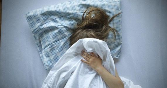 Sąd Apelacyjny w Białymstoku skazał na kary od 2 do 3 lat więzienia czterech młodych mężczyzn oskarżonych o to, że w 2018 roku wykorzystywali seksualnie 14-letnią wówczas dziewczynę. Wyrok jest prawomocny.