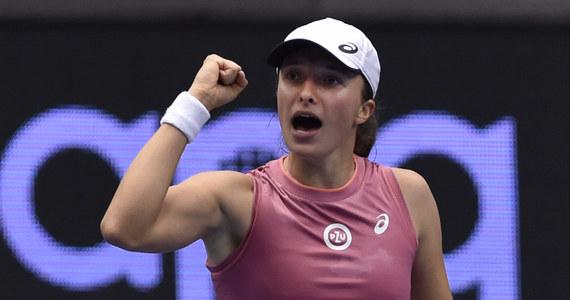 Na pięć gwiazdek oficjalny profil WTA ocenił zagranie Igi Świątek podczas meczu z Julią Putincewą w Ostrawie. W środę Polka pokonała Kazaszkę Julię Putincewą (6:4, 6:4) i awansowała do ćwierćfinału imprezy. To był pierwszy mecz Polki po wielkoszlemowym US Open.
