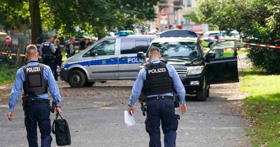 """Policji udało się zatrzymać podejrzanego w sprawie zabójstwa pochodzącej z Polski 16-letniej Wiktorii. Według prokuratury i policji w Goerlitz zatrzymany to 15-letni Niemiec z Grossroehrsdorf - informuje dziennik """"Bild""""."""