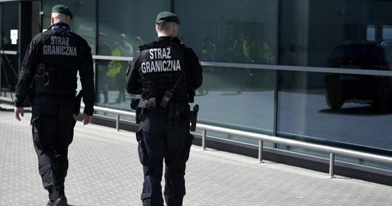 Związkowcy ze straży granicznej - podobnie jak z policji - przystali na propozycje podwyżek przedstawione przez resort spraw wewnętrznych i administracji. Najważniejsza oferta to wzrost uposażeń o 677 złotych brutto od początku przyszłego roku. Pogranicznicy chcieli więcej.