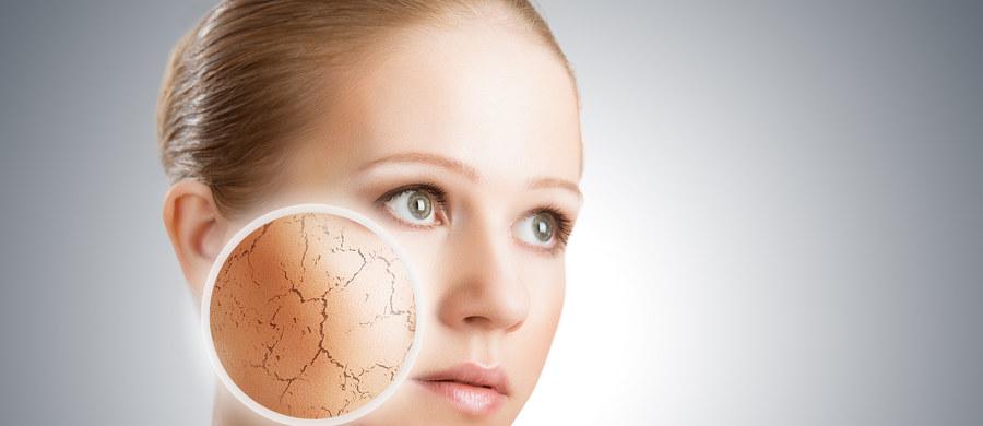 Problem teleangiektazji na ciele, najczęściej na skórze twarzy dotyka wielu osób. Bywa to bardzo wstydliwa przypadłość, która potrafi uprzykrzać życie, szczególnie paniom. Dlaczego i w jaki sposób powstają te zmiany? A przede wszystkim, jak je wyleczyć? Na te pytania odpowiada lekarz dermatolog, Agnieszka Drożniak-Konstanty.