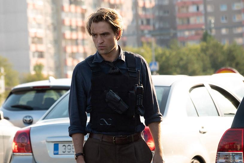 """Oczekiwania, jakie branża filmowa stawiała przed filmem """"Tenet"""", były ogromne. W sierpniu ubiegłego roku, gdy sytuacja pandemiczna wciąż nie wyglądała dobrze, dzieło Christophera Nolana miało sprawić, że widzowie zaczną wracać do kin. Problem w tym, że wielu kinomanów po seansie zastanawiało się nad tym, o co w ogóle chodzi w tym filmie. W tym gronie był również Quentin Tarantino."""