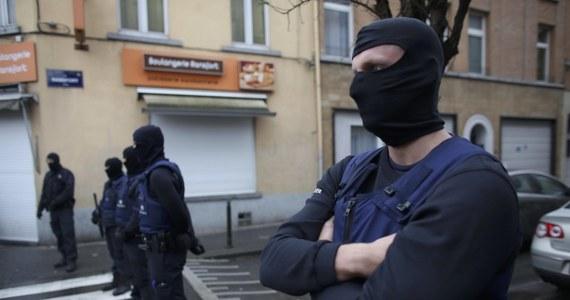 Prokuratura poinformowała w piątek o aresztowaniu w Eindhoven na południu Holandii dziewięciu mężczyzn, którzy są podejrzewani o przygotowywanie ataku terrorystycznego. Mężczyźni są sympatykami Państwa Islamskiego.