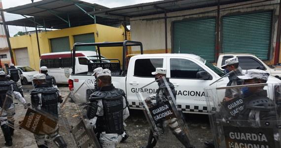W związku z przypadkowym przekroczeniem granicy Meksyku z USA 14 funkcjonariuszy meksykańskiej straży granicznej trafiło na kilka godzin do aresztu w El Paso - poinformował amerykański Urząd Celny i Ochrony Granic (CBP).
