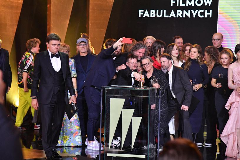Zakończona w sobotę 46. edycja Festiwalu Polskich Filmów Fabularnych w Gdyni okazała się obiecującym zwiastunem pokoleniowej zmiany. Mimo iż najlepsze produkcje festiwalu zostały zauważone i nagrodzone, werdykt jury pod przewodnictwem Andrzeja Barańskiego był jednak dość sensacyjny.