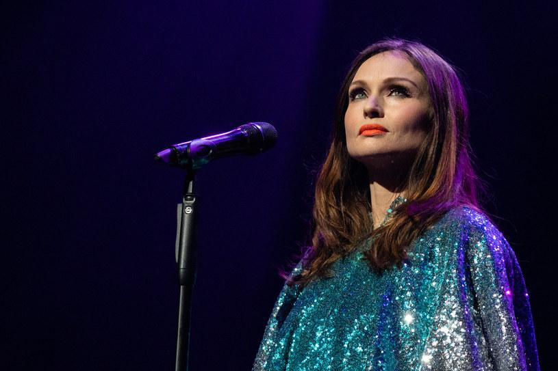 Wokalista Sophie Ellis-Bextor wyznała, że została zgwałcona w wieku 17 lat przez starszego muzyka. Gwiazda zdradziła, że tamto wydarzenie wywarło trwały wpływ na jej życie.