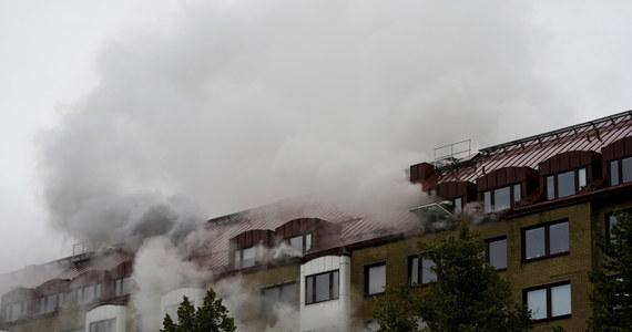 W Goeteborgu 23 osoby zostały ranne, z czego trzy poważnie, w wyniku eksplozji, do jakiej doszło nad ranem w budynku wielorodzinnym - podała lokalna policja. Jak poinformowały służby ratownicze, poważne obrażenia odniosły trzy starsze kobiety.