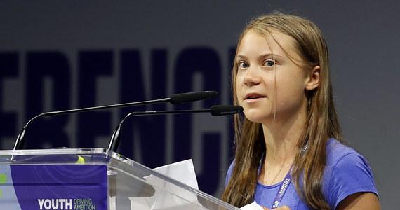 """""""Zielona ekonomia, bla, bla, bla. Zero emisji dwutlenku węgla do 2050 roku, bla, bla, bla"""" – grzmiała Greta Thunberg podczas forum młodzieży Youth4Climate w Mediolanie. Aktywistka oceniła, że z ust światowych przywódców """"pada wiele pięknych słów, ale nauka nie kłamie – emisje CO2 wciąż rosną""""."""