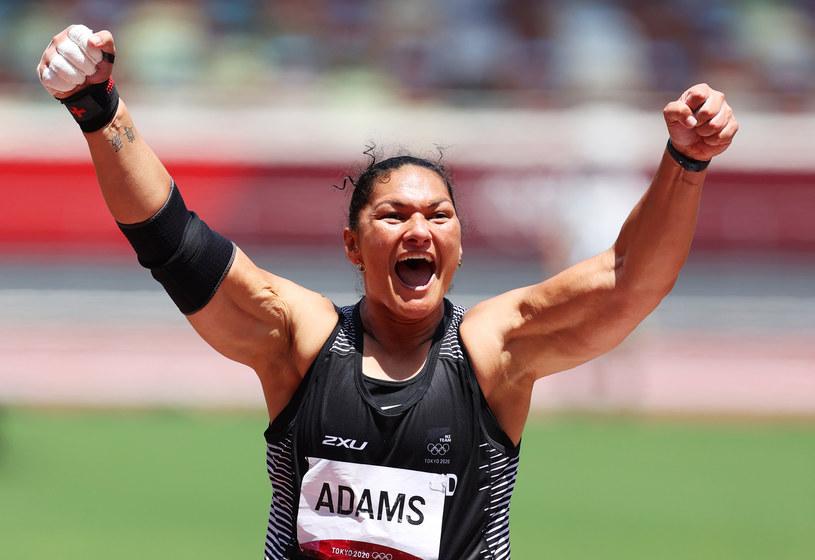 W Nowej Zelandii powstaje film dokumentalny o słynnej kulomiotce, dwukrotnej mistrzyni olimpijskiej Valerie Adams - poinformowały krajowe media. 36-letnia lekkoatletka jest jedną z najbardziej szanowanych, popularnych i lubianych sportowców na antypodach.