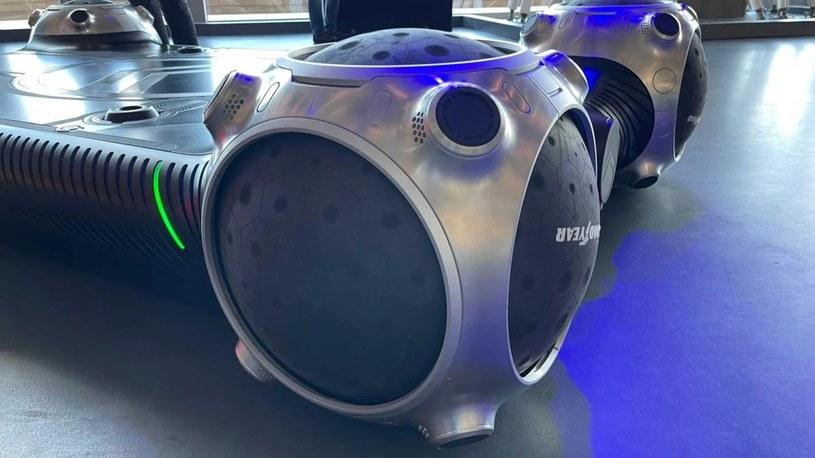 Producenci opon tworzą coraz to bardziej innowacyjne opony, które pozwolą pojazdom przyszłości sprawniej i bezpieczniej poruszać się po miastach. GoodYear pokazał w akcji sferyczną oponę Eagle 360.