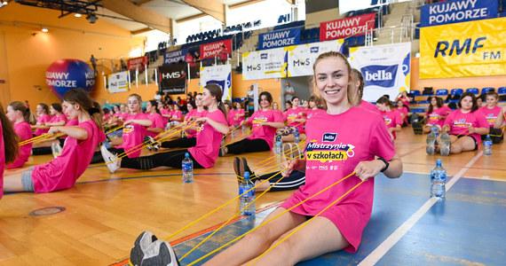 Wciąż jeszcze można zapisać się na niezwykłą lekcję wychowania fizycznego z wielkimi mistrzyniami sportu. 6 października w Myślenicach pod Krakowem z uczennicami spotkają się Otylia Jędrzejczak, Ewa Swoboda, Anna Szafraniec-Rutkiewicz i Patrycja Czepiec-Golańska.