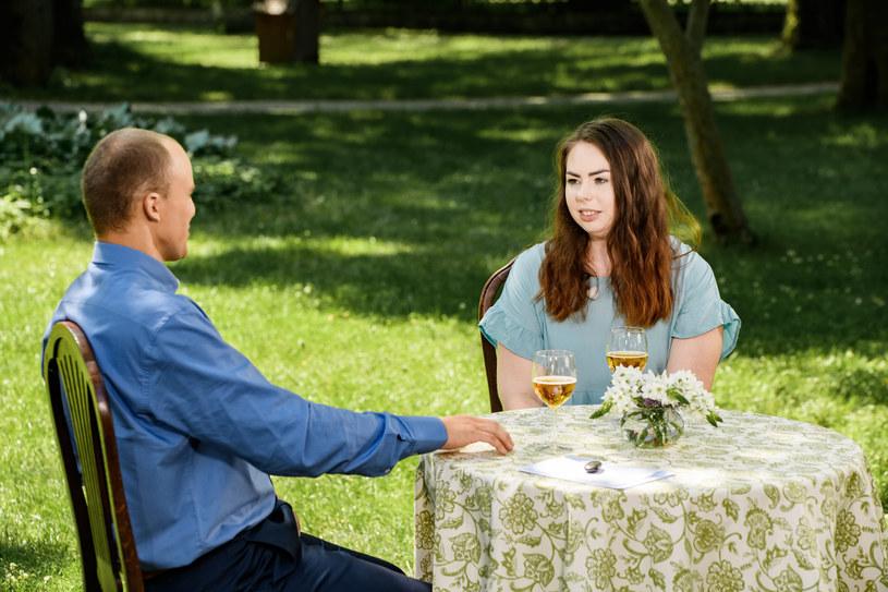 """W trzecim odcinku ósmej edycji programu """"Rolnik szuka żony"""" bohaterowie będą musieli zdecydować, kogo zaproszą do swych domów. Widzowie wszystkiego dowiedzą się już w niedzielę, 3 października, wieczorem w TVP1."""