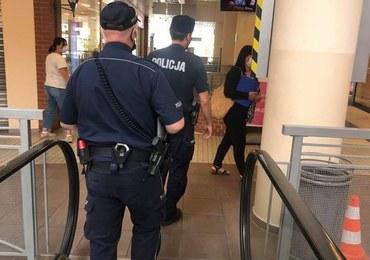 We wrześniu policja w Słupsku wystawiła 300 mandatów za brak maseczki