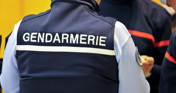 Francja w szoku. Ścigany przez 35 lat seryjny gwałciciel i zabójca okazał się być policjantem. Jego DNA powiązano ze sprawcą kilku makabrycznych zbrodni, do których dochodziło w Paryżu między 1986 a 1994 rokiem.