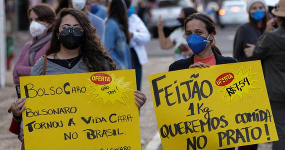 Wielotysięczne pochody protestacyjne, których organizatorami były po raz pierwszy obok lewicy partie centrowe i związki zawodowe, przeszły ulicami kilkudziesięciu brazylijskich miast, aby zademonstrować sprzeciw wobec polityki prezydenta Jaira Bolsonaro.