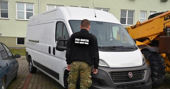 Funkcjonariusze z Nadbużańskiego Oddziału Straży Granicznej odzyskali utracony w Andorze samochód dostawczy marki fiat o wartości 100 tys. zł – poinformowała SG.