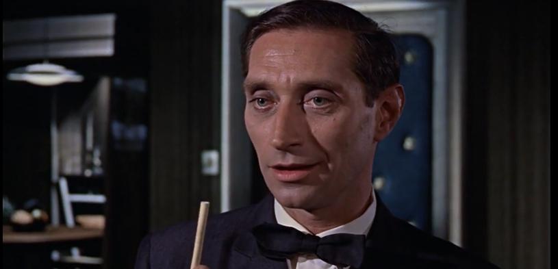 """""""Nie czas umierać"""", czyli najnowsza odsłona serii przygód Jamesa Bonda, rozpoczęła podbój kin, a jej oglądalność może napawać optymizmem - obraz zarobił już w sumie ponad 119 milionów dolarów. Warto przy tej okazji przypomnieć sylwetkę pewnego Polaka, który wcielił się w ważnego dla serii bohatera. Władysław Sheybal wystąpił w drugim filmie o agencie 007 pt. """"Pozdrowienia z Rosji"""" (1963). Był czarnym charakterem!"""