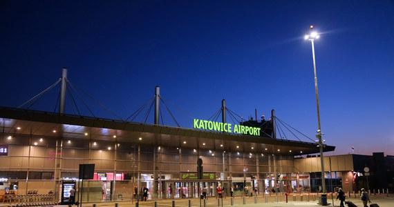 Droga wojewódzka nr 913, prowadząca od trasy nr 86 z Katowic i miast Zagłębia w kierunku lotniska Katowice, została w poniedziałek oficjalnie otwarta. Droga ułatwia dojazd do portu lotniczego, a także rozrastających się miejscowości na północ od Górnośląsko-Zagłębiowskiej Metropolii.