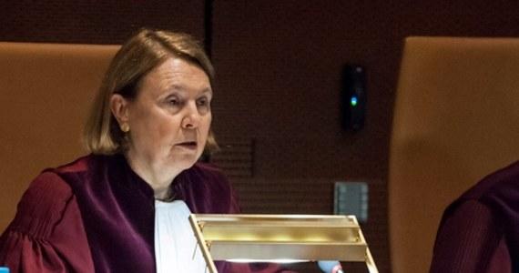 Wiceprezes Trybunału Sprawiedliwości Unii Europejskiej, hiszpańska sędzia Rosario Silva de Lapuerta - która wydała między innymi postanowienia o natychmiastowym wstrzymaniu wydobycia węgla w Turowie i karach za niewykonanie tego postanowienia, jak również o zawieszeniu działania Izby Dyscyplinarnej – kończy pojutrze swoją kadencję sędziowską w TSUE. To ustalenia dziennikarki RMF FM Katarzyny Szymańskiej-Borginon. Jeszcze w tym tygodniu odbędą się wybory nowego wiceprezesa lub wiceprezes TSUE.