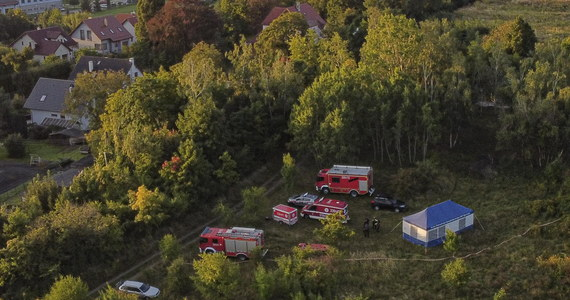 Jest prokuratorskie postępowanie dotyczące niedzielnego wypadku w kopalni Maria Concordia w Sobótce na Dolnym Śląsku, w którym zginęło 3 nurków. Zwłoki dwóch nurków zostały wydobyte w poniedziałek, dziś ratownicy ponownie zeszli pod wodę i wyciągnęli na powierzchnię ciało trzeciego mężczyzny.