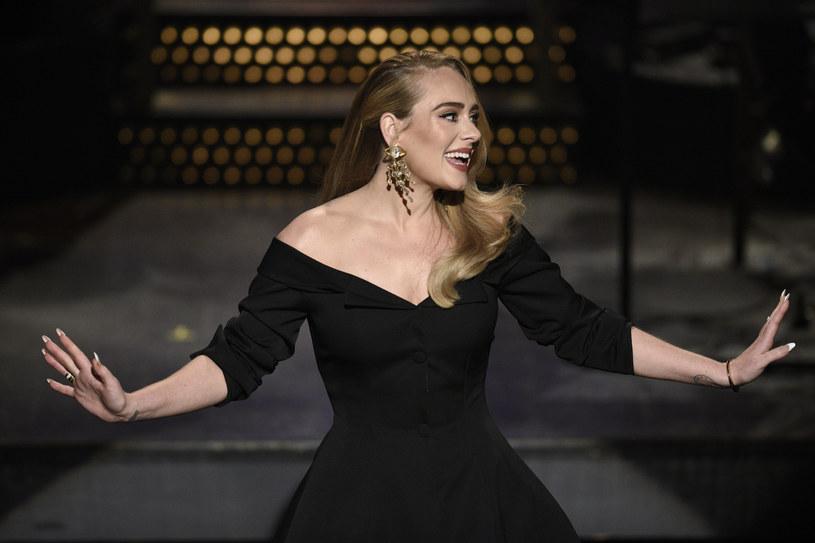 """Adele przerwała milczenie. Wokalistka zapowiedziała, że 15 października usłyszymy jej nowy utwór """"Easy On Me"""". Będzie to prawdopodobnie zapowiedź jej nowego albumu """"30""""."""