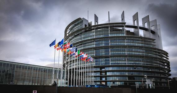 """""""Musimy bronić naszych granic zewnętrznych, ale także naszych europejskich wartości"""" -  podkreślała dziś unijna komisarz do spraw wewnętrznych Yiva Johansson w czasie debaty w Parlamencie Europejskim poświęconej sytuacji na granicy z Białorusią."""
