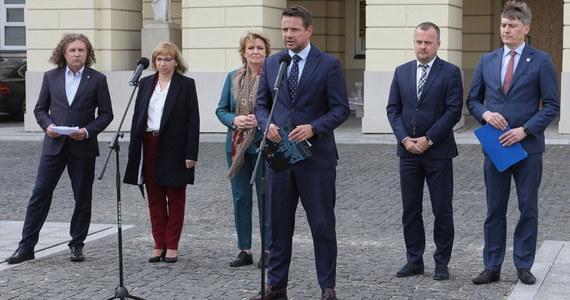 Jeszcze w tym roku rząd rozpocznie drugą turę przyjmowania wniosków na dofinansowanie samorządowych inwestycji - zapowiada wiceminister spraw wewnętrznych i administracji Paweł Szefernaker.