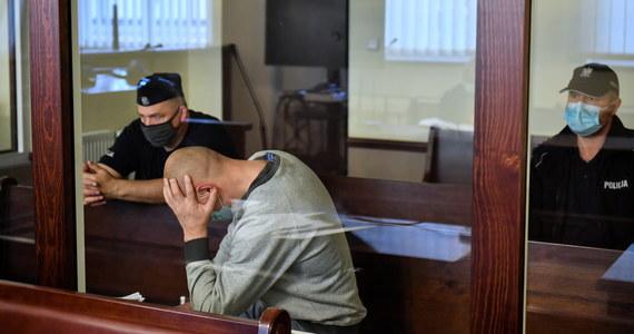 Przed Sądem Apelacyjnym w Gdańsku rozpoczął się w środę proces odwoławczy 38-letniego Pawła S., oskarżonego o zamordowanie siekierą w czerwcu 2020 r. w Sierakowie Słupskim (Pomorskie) 33-letniej żony. Zabójstwo zostało dokonane na oczach dwójki dzieci.
