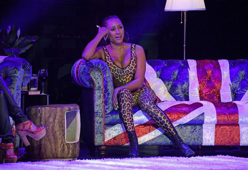 """Mel B, gwiazda Spice Girls, poinformowała fanów na Instagramie, że walczyła z koronawirusem przez ostatnie pięć tygodni i nadal jest """"przykuta do łóżka""""."""