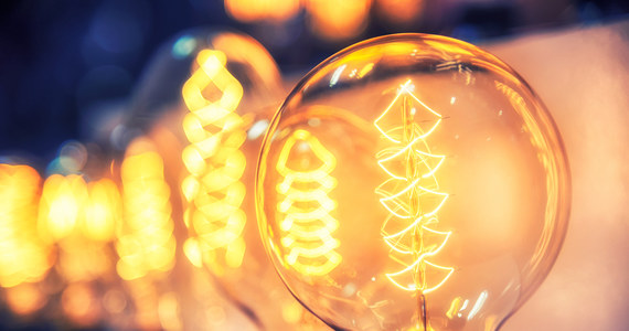 """W związku z kryzysem energetycznym w Europie planowany pierwotnie budżet dla najuboższych odbiorców prądu w Polsce ma być zwiększony - dowiedział się """"Dziennik Gazeta Prawna"""". Minister klimatu Michał Kurtyka już w styczniu zapowiedział taki mechanizm."""