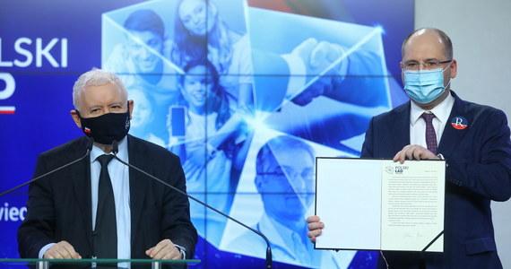 Prawo i Sprawiedliwość oraz Partia Republikańska mają już podpisaną nową umowę koalicyjną - dowiedział się nieoficjalnie reporter RMF FM. W ramach nowego układu politycy związani z Adamem Bielanem otrzymają dwa ministerialne stanowiska oraz gwarancję wspólnego startu z list PiS-u w wyborach.