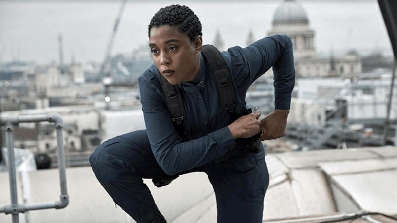 """W """"Nie czas umierać"""" grany przez Daniela Craiga James Bond traci swój kultowy numer licencji na zabijanie na rzecz Nomi, w którą wciela się Lashana Lynch. Ta ostatnia opowiedziała właśnie o internetowym hejcie, z jakim musiała się zmierzyć, gdy okazało się, że nowym agentem 007 będzie czarnoskóra kobieta."""