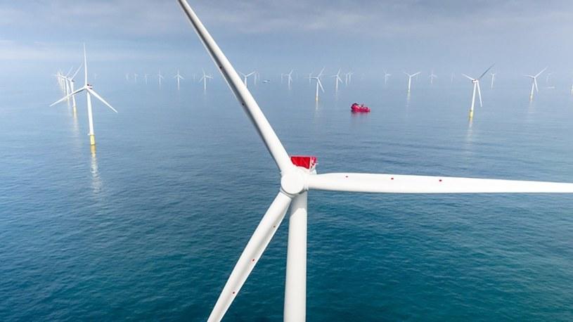Firma General Electric właśnie pochwaliła się uruchomieniem w Holandii prototypu najwydajniejszej obecnie na świecie turbiny wiatrowej, która w setkach sztuk pojawi się w przyszłości również na należących do Polski morskich farmach wiatrowych na Bałtyku.