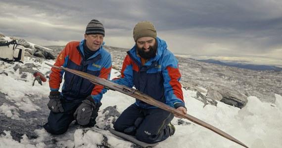 Zespół norweskich archeologów znalazł w zboczu góry Digervarden drewniane narty, który – jak oszacowano – mają 1300 lat.