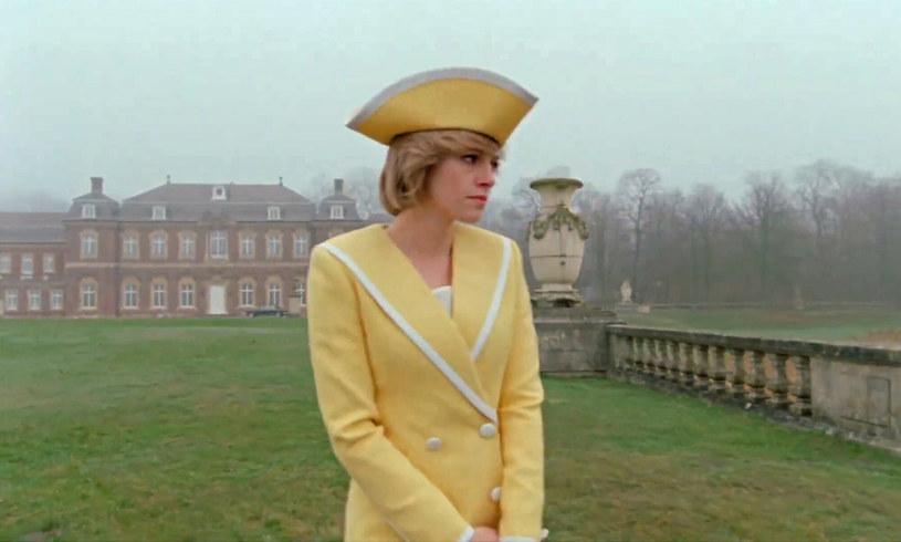 """Na początku listopada na ekrany polskich kin trafi wyczekiwany dramat biograficzny poświęcony księżnej Dianie. Jednym z istotniejszych wątków filmu """"Spencer"""" są zmagania arystokratki z zaburzeniami odżywiania, które obserwować mieli jej synowie. """"Pokazanie tego w taki sposób jest nieuzasadnione i zwyczajnie niepotrzebne"""" – komentuje Penny Junor, brytyjska dziennikarka i biografka rodziny królewskiej."""